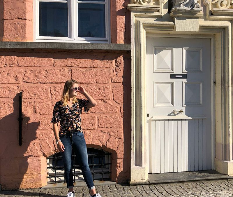 OUTFIT | PINK & FLOWERS IN BRUGGE